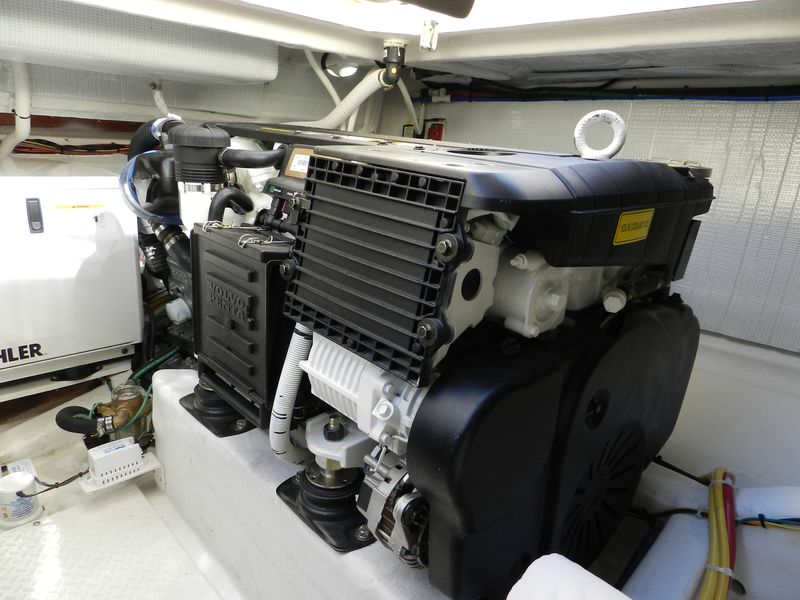 Port engine Volvo IPS 400