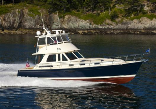 Sabre 54 Fly Bridge Sedan Courtesy www.sabreyachts.com