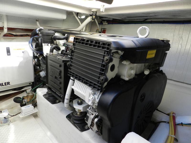 Port engine Volvo IPS 400
